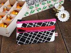 """Geldbeutel xs """"Karo-rot-pink"""" von blandine taschen  auf DaWanda.com Etsy, Pink, Bags, Money, Sachets, Handbags, Red, Pink Hair, Roses"""