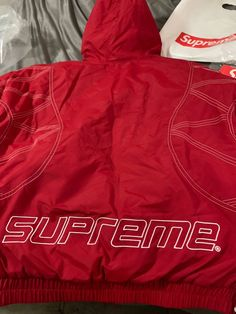 aaafc99a832 Supreme Supreme Zig Zag Stitch Puffy Jacket Size m - Light Jackets for Sale  - Grailed