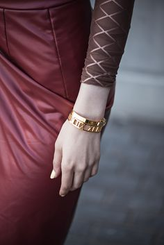 CASUAL CHIC | Fashion secrets with Oksana bangles by @thepeachbox
