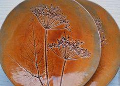 Ceramic dishes / Тарелки ручной работы. Ярмарка Мастеров - ручная работа. Купить Тарелочки с зонтиками сныти. Handmade. Коричневый, полевые цветы