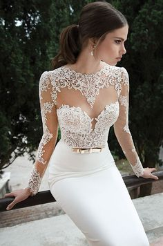How amazing is this gorgeous lace design from Berta?Check out this gallery of long sleeves wedding gowns to see what we're so excited about!