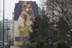 «La Madre Secular 2» fait partie d'une série de trois murs (Marseille, Paris, Lisbonne). En juin 2016, l'artiste chilien Inti peint la «madame laïque» à Paris . Il veut démontrer que les lois de la nature et celles de la religion peuvent cohabiter. À voir au 81, boulevard Vincent Auriol (Paris XIIIe).