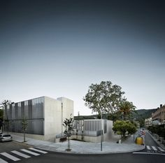 @_archdaily | Health Center CAP La Garigga