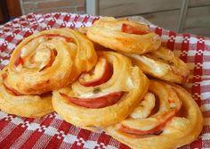 Sajtos sonkás tekercs | Edit Hadházi receptje - Cookpad receptek Pancakes, Breakfast, Food, Morning Coffee, Essen, Pancake, Meals, Yemek, Eten