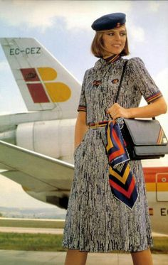 Iberia vintage, Spain - remember this one too! Stewardess Costume, Airline Cabin Crew, Airline Uniforms, 60s And 70s Fashion, Women's Fashion, Flight Attendant, Jet Set, Sexy, Clothes For Women
