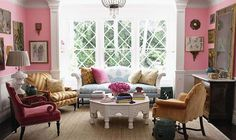Homy Living Room Design With Pink Interior Decoration