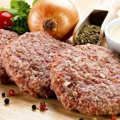 A frissen sült húspogácsáknak nem lehet ellenállni. Cold Dishes, Hungarian Recipes, Relleno, Food Truck, Meatloaf, Street Food, Bacon, Clean Eating, Good Food