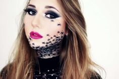 Spider makeup for Halloween :: one1lady.com :: #makeup #eyes #eyemakeup