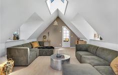 Miete Ferienhaus A08010 in Klithavevej 10, Lökken Danish Interior Design, Ceiling Lights, Lighting, Home Decor, Cottage House, Decorating, Decoration Home, Room Decor, Lights