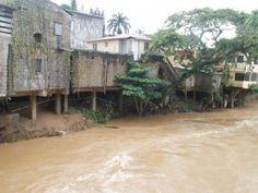 Buscan hombre que fue arrastrado por río en Jarabacoa