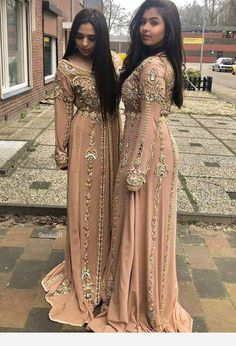 Caftan chique – – My World Morrocan Wedding Dress, Morrocan Dress, Moroccan Bride, Moroccan Caftan, Arab Fashion, Muslim Fashion, 70s Fashion, Fashion Tips, Hijab Styles