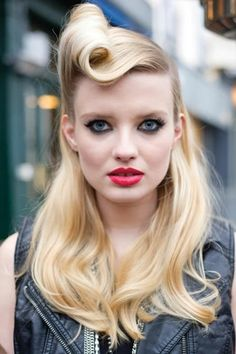 retro hairstyles5 Retro Hairstyles for Long Hair
