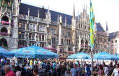Muenchen, Kneipen and Neues Rathaus in Marienplatz