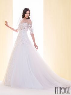 Saiid Kobeisy 2016 collection - Bridal - http://www.flip-zone.com/fashion/bridal/the-bride/saiid-kobeisy-5699