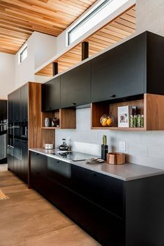 34 Inspiring Contemporary Kitchen Design Ideas - Anyone planning a contemporary kitchen design needs to know exactly what they want before handing over plans to designers and fitters. Just because yo. Kitchen Room Design, Kitchen Cabinet Design, Home Decor Kitchen, Interior Design Kitchen, Home Kitchens, Small Apartment Kitchen, Kitchen Modular, Modern Kitchen Cabinets, Modern Kitchen Furniture