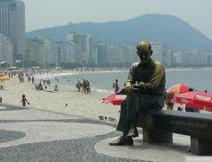 estátua de Carlos Drummond de Andrade, Copacabana, RJ