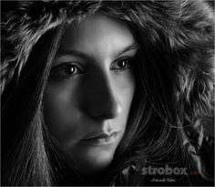 Headshot photo and lighting setup with Softbox and Reflector by Alexander  Moroz on strobox.com