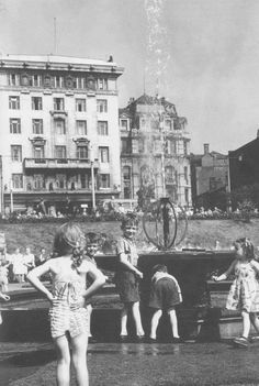 Piccadilly Gardens 1954