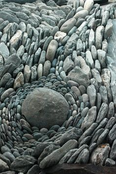 "for a man to go away by himself . to sit on a rock ."" ― Carl Sandburg (photo via land art) Land Art, Pebble Mosaic, Pebble Art, Pebble Garden, Mosaic Garden, Rock Garden Art, Rock Mosaic, Mosaic Rocks, Concrete Garden"