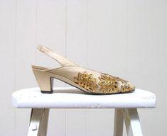 ecbc29a89c Vintage 1980s Shoes   80s Buttercream Leather Slingback Heels   Size 6 B  USA   36.5 EUR