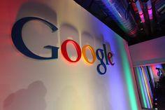 Droit à l'oubli : Google mis en demeure par la CNIL [Google logo in building credits Robert Scoble (CC BY 2.0)]