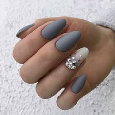 Oval nails are one of the most classical nail shapes. Oval nails are quite popular in today's fashion world. In recent years, matte nail art Matte Acrylic Nails, Almond Acrylic Nails, Acrylic Nail Designs, Nail Art Designs, Nails Design, Grey Matte Nails, Blue Nail, Acrylic Art, Red Nail