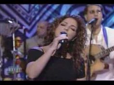 ▶ gloria estefan wrapped - YouTube