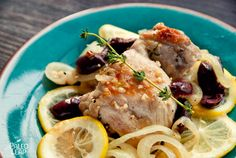 A provencal style chicken thighs recipe prepared with delicious kalamata olives, garlic and lemon. Those mediterranean flavors are a superb match.
