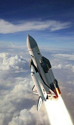 Soviet Buran Space Shuttle www./ Soviet Buran Space Shuttle www. Cosmos, Air Space, Deep Space, Nasa Space Program, Space Launch, Space Rocket, Space Center, Space And Astronomy, Hubble Space