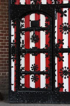 Door, Kasteel de Haar, Haarzuilens by sensaos, via Flickr