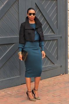 When it comes to pencil skirts, I will never have too many. Not only are pencil skirts the easiest piece of clothing to wear, but… Fashion Moda, Diy Fashion, Love Fashion, Autumn Fashion, Fashion Outfits, Womens Fashion, Fashion Brands, Diy Top, Do It Yourself Fashion