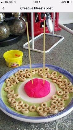 {Mommy School} Playing & Learning with Play-Doh! Indoor Activities For Toddlers, Gross Motor Activities, Infant Activities, Activities For Kids, Do A Dot, School Play, Outdoor Learning, Reggio Emilia, Fun Math