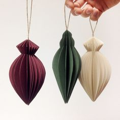 Read more on DIY – Do It Yourself at Norway Designs Recycled Christmas Decorations, Paper Christmas Ornaments, Xmas Crafts, Paper Decorations, Christmas Time, Paper Crafts, Diy Deco Rangement, Theme Noel, Christmas Inspiration
