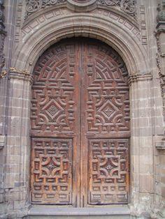 Wooden door, Mexico City