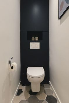Appartement Boulogne Billancourt : 63 pour famille nombreuse A second life for the toilet of the apartment Bathroom Design Small, Bathroom Interior Design, Modern Bathroom, Modern Toilet Design, Boho Bathroom, Minimalist Bathroom, Small Bathrooms, Contemporary Bathrooms, Bathroom Lighting