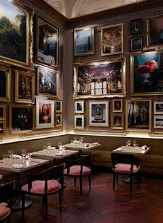hotel bar the london edition hotel from ian schrager designed by yabu pushelberg, in fitzrovia, london, england, UK Deco Restaurant, Luxury Restaurant, Restaurant Interior Design, Top Interior Designers, Cafe Interior, Luxury Interior Design, Best Interior, Lobby Interior, Pub Decor