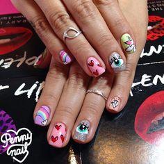#NailArt en esmaltado semipermanente! Para que no se salte y te dure semanas impecable! Consultanos y pedinos turno al 1558135282 #nails #instanails #designnails #illustratednails #illustration #gelnails #fantasynails #pennynail