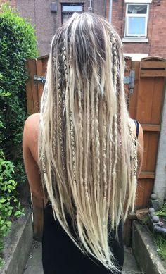 Blonde Dreads, Dreadlocks Girl, Synthetic Dreadlocks, Crochet Dreadlocks, Partial Dreads, Half Dreads, Dreadlock Hairstyles, Braided Hairstyles, Half Dreaded Hair