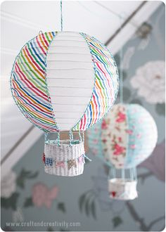 Found this adorable craft project from Craft and Creativity. Making hot air balloons from paper lanterns seems like a no-brainer. I'm just glad Helena did it and did a fantastic DIY job. Diy For Kids, Crafts For Kids, Diy Paper, Paper Crafts, Diy And Crafts, Arts And Crafts, Balloon Crafts, Decoration Inspiration, Idee Diy