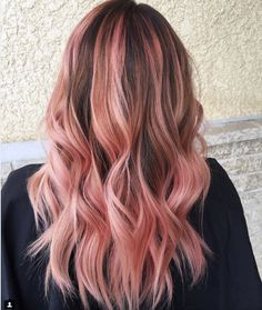 New Hair Color Balayage Fun Rose Gold 18 Ideas Cabelo Rose Gold, Rose Gold Hair, Pink Peach Hair, Balayage Ombré, Balayage Hair Blonde, Pink Bayalage, Baylage, New Hair, Bobs Blondes