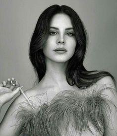 Lana Del Rey. Lazeeva.com sexy.sassy.classy