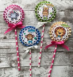 Stamp Create Repeat – Rosette Wands with Ashley Diy And Crafts, Crafts For Kids, Arts And Crafts, Paper Crafts, Paper Rosettes, Paper Flowers, Bullet Journal Mood Tracker Ideas, Paper Fans, Candy Cards