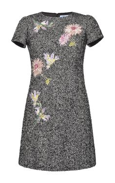 Embroidered Herringbone Short Dress by BLUMARINE for Preorder on Moda Operandi Source by aqsaumer Dresses Nice Dresses, Casual Dresses, Short Sleeve Dresses, Plus Sise, Scarlett, Royal Clothing, Mein Style, Sixties Fashion, Tweed Dress