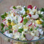Sałatka z pora – po prostu mniam! Takie połączenie smaków smakuje rewelacyjnie jako sałatka sama w sobie lub np. jako dodatek do obiadu – mimo, że w swoim składzie ma jajko :) Poza tym myślę, że równie świetnie sprawdzi się na świątecznym, wielkanocnym stole, chociaż do Wielkanocy jeszcze daleko :D Więcej przepisów na smaczne sałatki […] Vegetarian Recipes, Cooking Recipes, Healthy Recipes, Huevos Fritos, Good Food, Yummy Food, Baked Chicken Recipes, Food Inspiration, Food Porn
