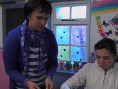 Crafty kids on SABC 1 Zenzele. This is Part 1 of 2 in this fun feature where Crafty kid Amicke Mostert shows us how to work with paper mâché, with the help o.