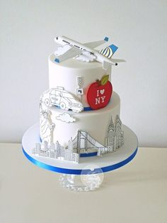 United Airlines are launching a route from Newcastle to New York and asked me to make cake for the press call :) The idea for the design came from a London themed cake by Rachelle's. Fondant Cakes, Cupcake Cakes, Amazing Cakes, Beautiful Cakes, Airplane Birthday Cakes, Doodle Cake, Suitcase Cake, Travel Cake, Travel Party