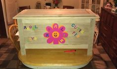Toy chest made from recycle pallets