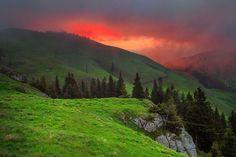 Sunrise over Rarau Mountain, Romania (by Dumitrescu Catalin)