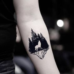 Hand Tattoos, Dreieckiges Tattoos, Detailliertes Tattoo, Form Tattoo, Wolf Tattoo Sleeve, Shape Tattoo, Cute Tattoos, Small Tattoos, Sleeve Tattoos