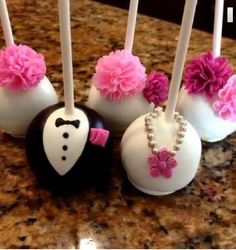 Cake pops for a bridal shower(Wedding Cake Pops) Wedding Cake Pops, Wedding Sweets, Wedding Cookies, Cake Truffles, Cupcake Cookies, Fancy Cakes, Cute Cakes, No Bake Cake Pops, Cake Pop Decorating